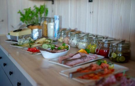 Härlig frukostbuffé på Halne i Hardangervidda